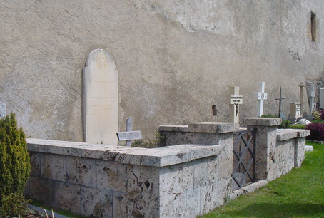 rilkes-grave-in-raron-schweiz
