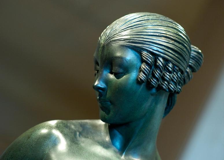 isoult-1926-head-adj