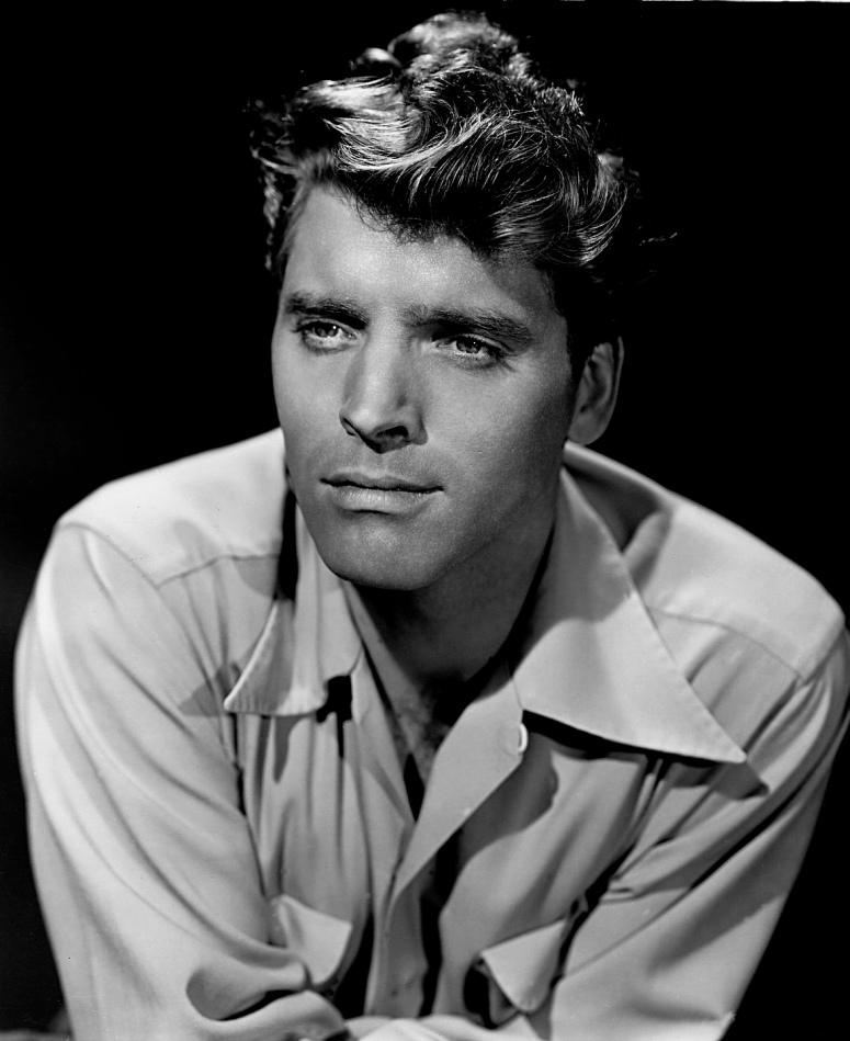 Burt_Lancaster_-_publicity_1947